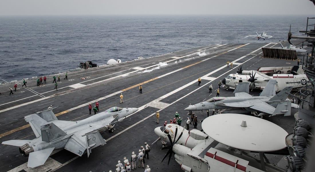 البحرية الأمريكية تؤكد تحطم إحدى مقاتلاتها في الخليج وإنقاذ طياريها