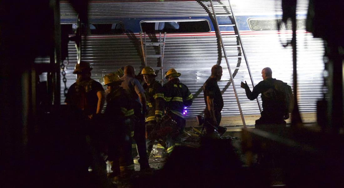 مقتل 7  أشخاص وإصابة 146 بخروج قطار ركاب عن مساره بمدينة فيلادلفيا الأمريكية