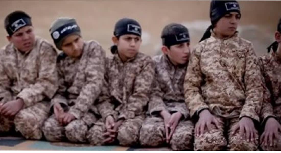 """المرصد: 160 بينهم أطفال ومعاقون انضموا لـ""""داعش"""" في أسبوعين والتجنيد بأدنى نسبة منذ """"إعلان الخلافة"""""""