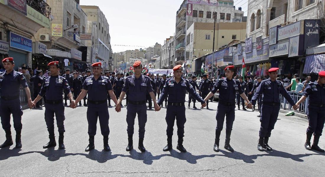 """الأردن.. استقالة وزير الداخلية وسط اعتراف حكومي بـ""""تقصير"""" في إدارة المنظومة الأمنية"""