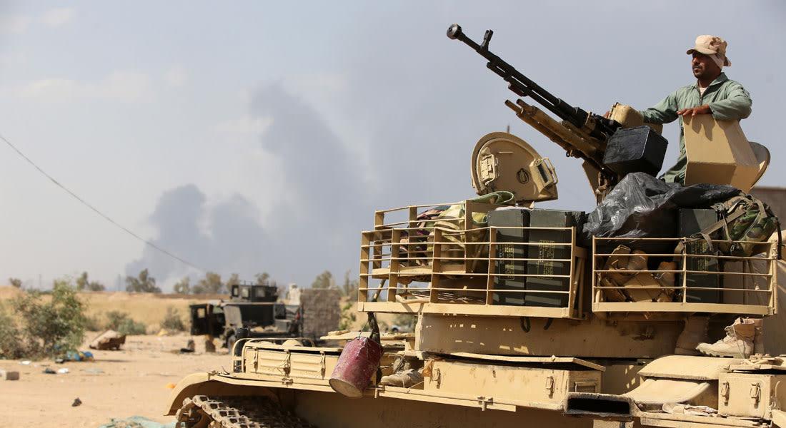 """نائب الرئيس الأمريكي يشيد بالجيش العراقي بعد انتقادات وزير دفاعه لغياب """"إرادته في القتال"""" بالرمادي"""