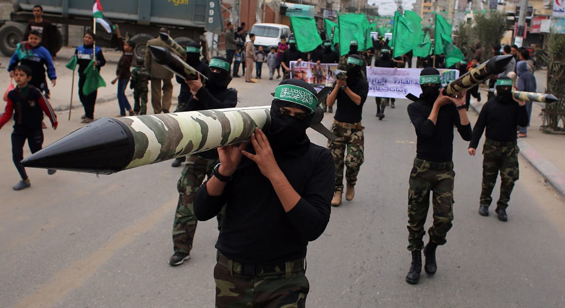 """""""زخة"""" صواريخ من غزة تضرب محيط أشدود.. وحماس تخلي مواقعها تحسباً لـ""""رد"""" إسرائيلي"""