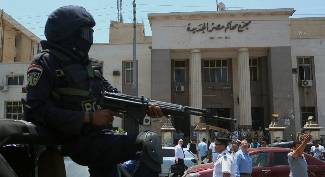 """مصر.. مقتل شرطي بانفجار """"جسم غريب"""" وإضراب بعد """"اعتداء"""" ضابط على محام بالحذاء"""