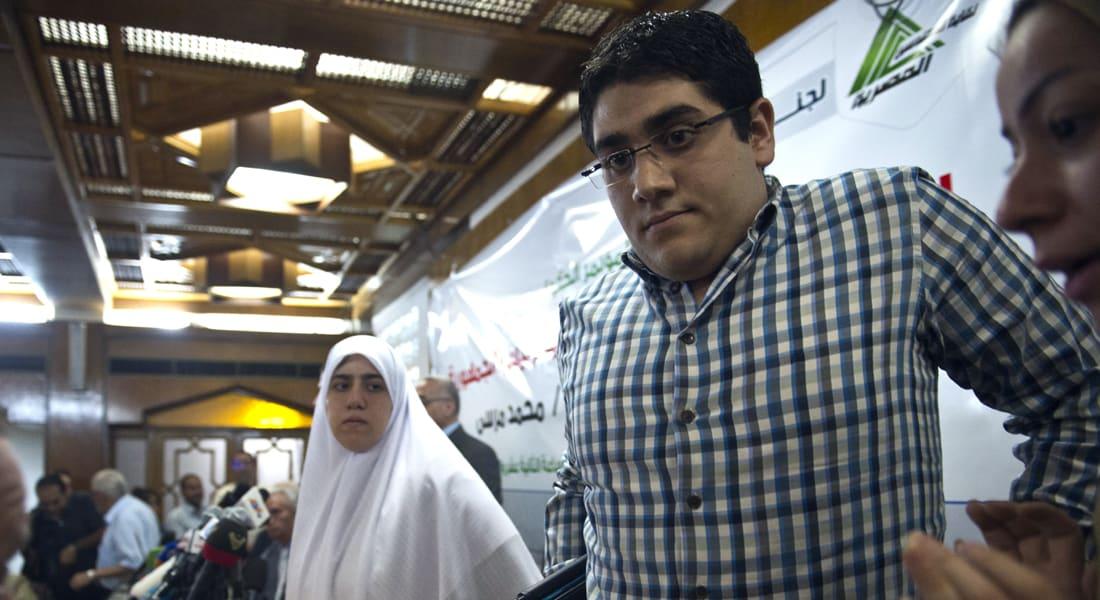 """مصر.. النقض ترفض طعن نجل مرسي وتؤيد براءة المغربي وتعيد """"مذبحة رفح 2"""" للجنايات"""