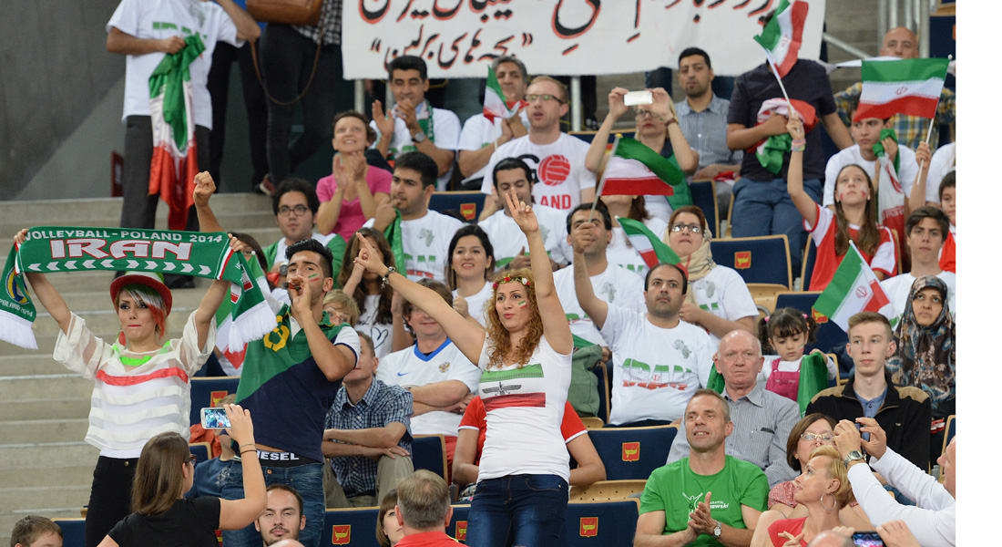 هيومان رايتس: نأمل بالسماح للإيرانيات بدخول مجمع أزاد الرياضي وتشجيع الفريق الوطني لكرة الطائرة