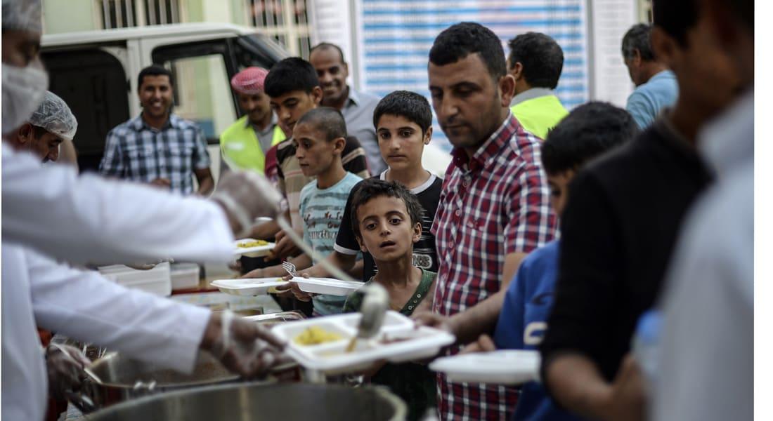"""أحكام """"داعش"""" بتهمة الإفطار في رمضان : صلب وجلد 94 سورياً بينهم 5 أطفال"""