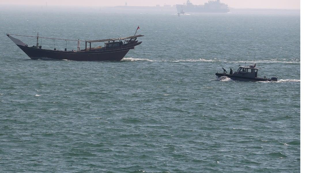 البحرين تعلن إحباط عملية تهريب أسلحة ومتفجرات من إيران عبر البحر وتعتقل منفذيها