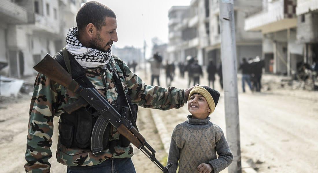 """سوريا.. الوحدات الكردية تسيطر على """"صرين"""" وتقطع طريق تقدم """"داعش"""" باتجاه """"كوباني"""""""