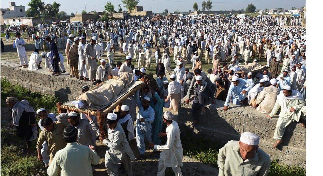 إرجاء المفاوضات بين طالبان والحكومة بعد الإعلان عن وفاة الملا عمر والحركة تعلن الحداد