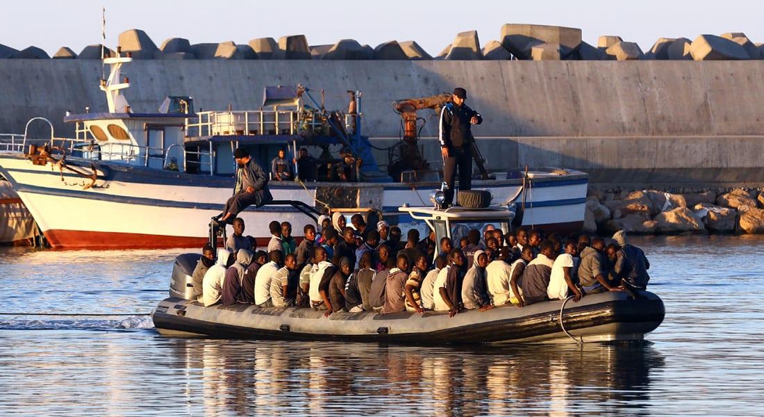 """مأساة جديدة في عرض """"المتوسط"""".. غرق قارب صيد يقل مئات المهاجرين قبالة ليبيا"""
