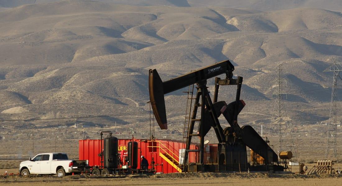 سعر النفط يهوي لأقل من 42 دولاراً للبرميل بأدنى مستوى منذ 6 سنوات