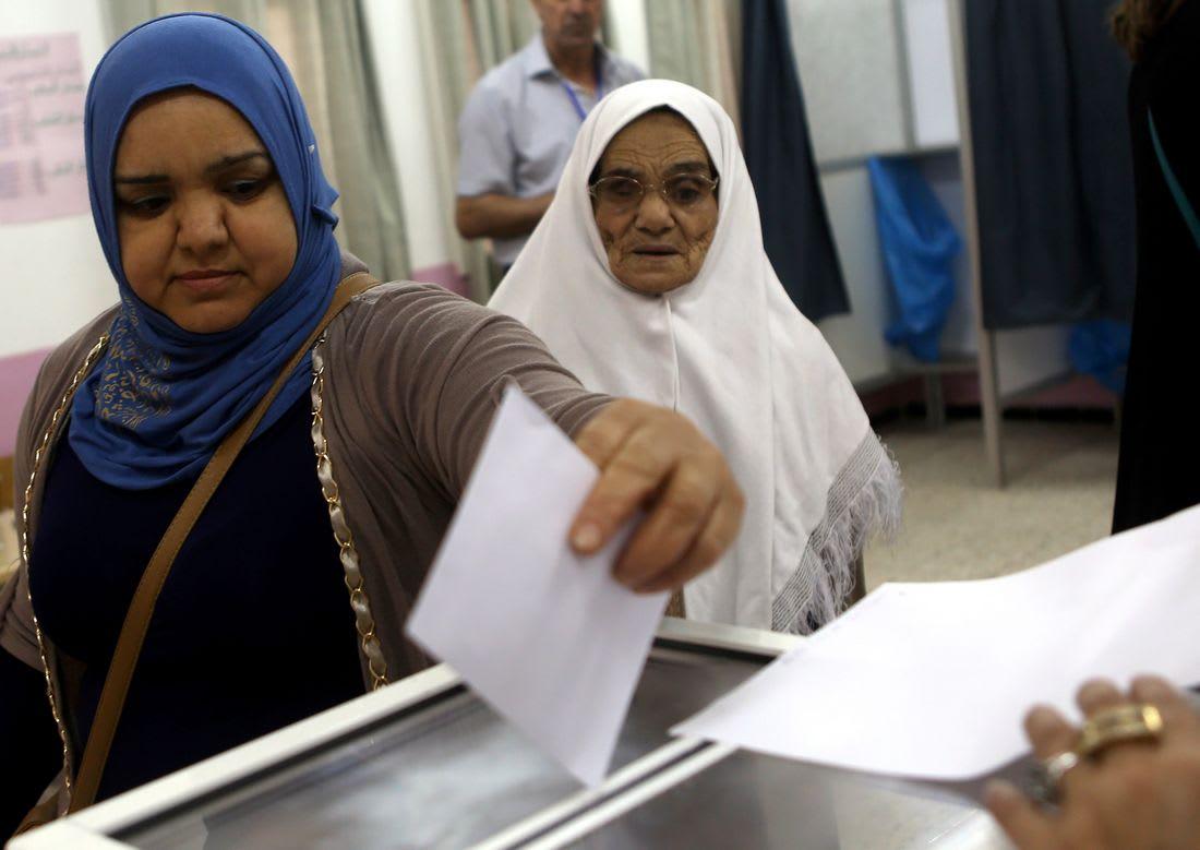 تقرير: المرأة شبه مقصية في وسائل الإعلام بالجزائر والمواضيع الخاصة بها قليلة