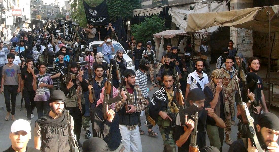 بعد رسائل الظواهري المختلطة ومده لغصن زيتون حاثا على توحيد الجهود.. ماذا يمكن أن يحدث إذا تحالفت القاعدة مع داعش؟