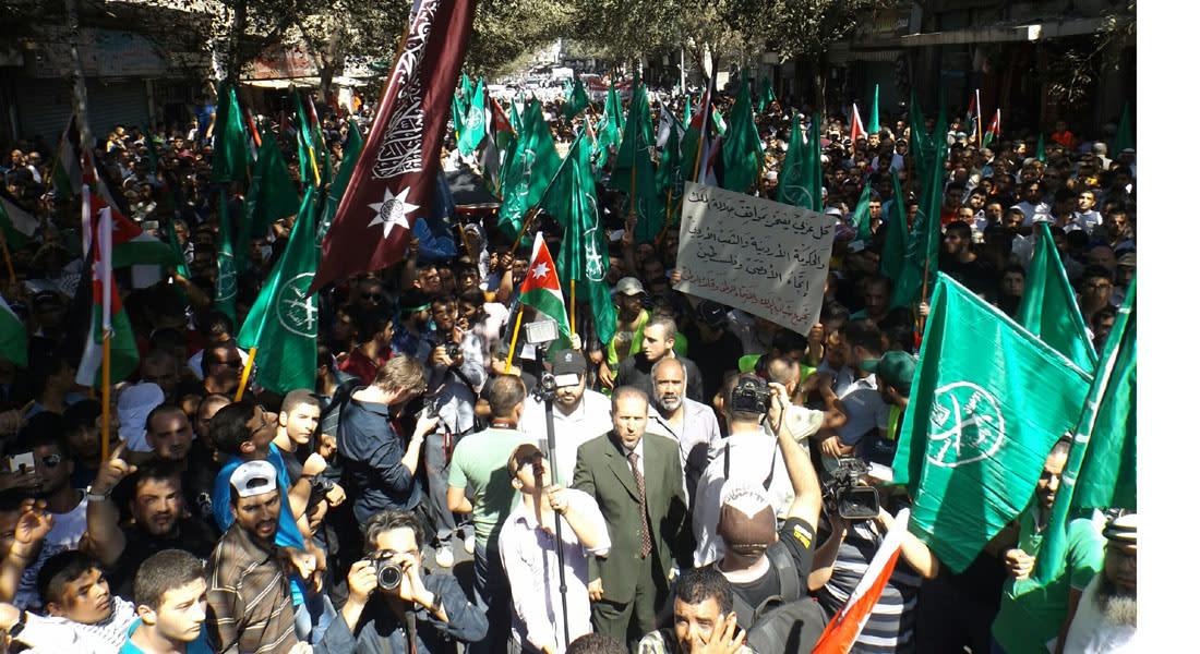 """""""الإخوان المسلمين"""" تعود للاحتجاج تحت """"راية الأقصى"""" وتهاجم نظامي الحكم في مصر والأردن.. والكنيسيت يسمح باستدعاء قوات الاحتياط"""