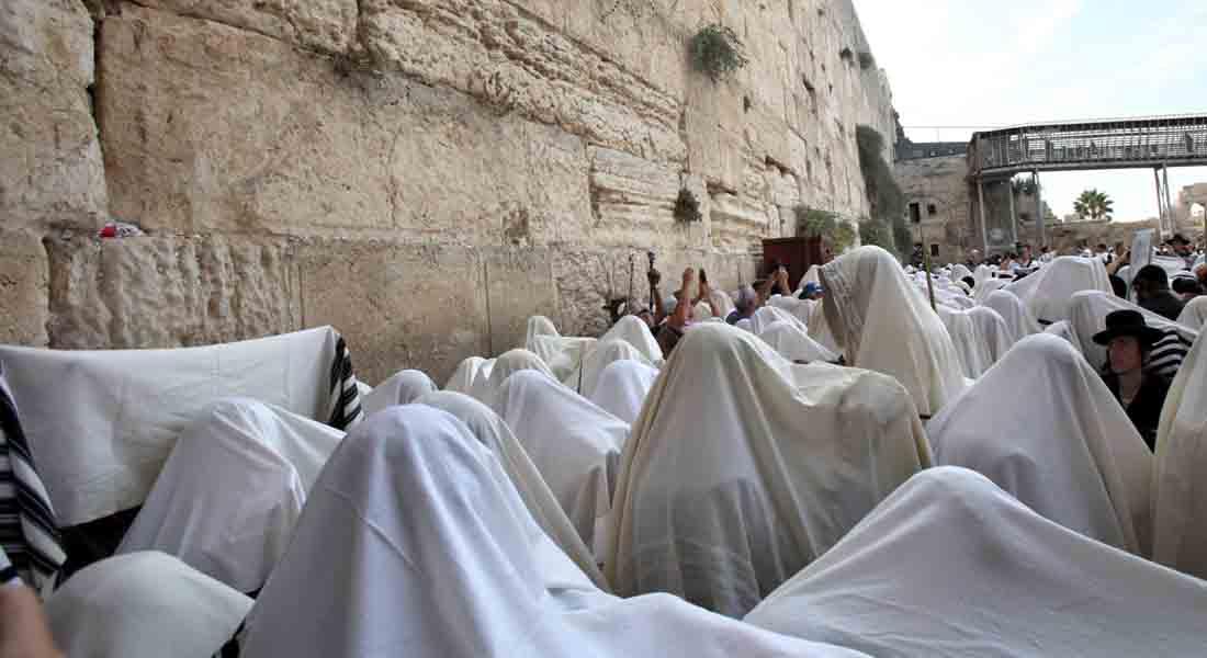 """مقتل إسرائيليين وفلسطيني في هجوم بسكين وإطلاق نار في """"البلدة القديمة"""" بالقدس"""