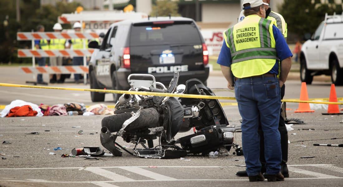 """أمريكا.. مصرع وإصابة 25 في """"حادث"""" تحطم سيارة خلال استعراض طلابي بأوكلاهوما"""