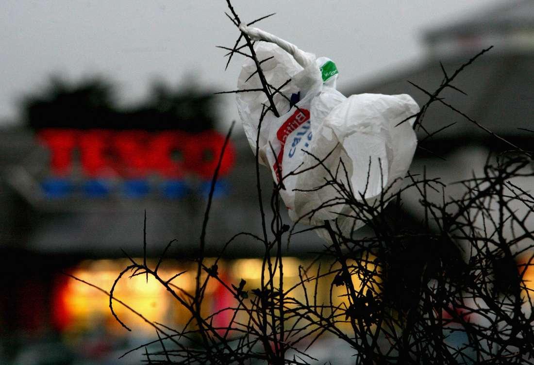 الحكومة المغربية تمنع صناعة وترويج الأكياس البلاستيكية