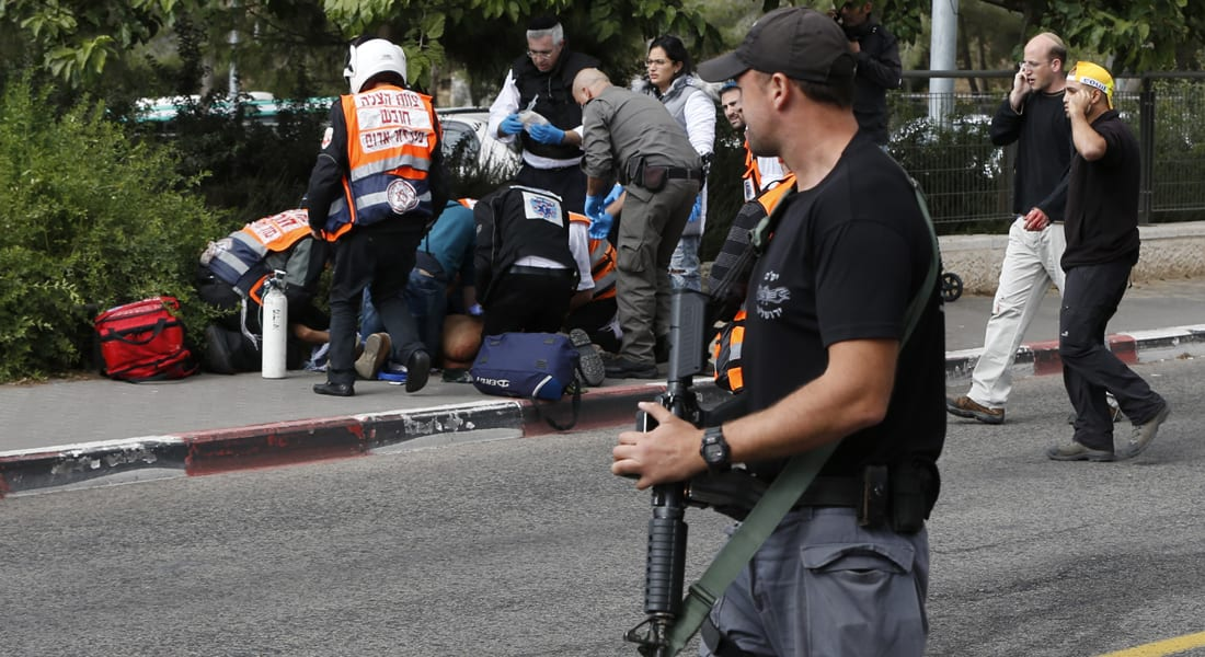 الشرطة الإسرائيلية: فلسطيني طعن إسرائيليين اثنين في محطة للقطار بالقدس
