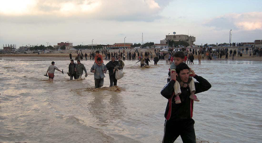 """موجة طقس """"قاتلة"""" تضرب مصر والحكومة تنصح مواطني الإسكندرية والبحيرة التزام منازلهم"""