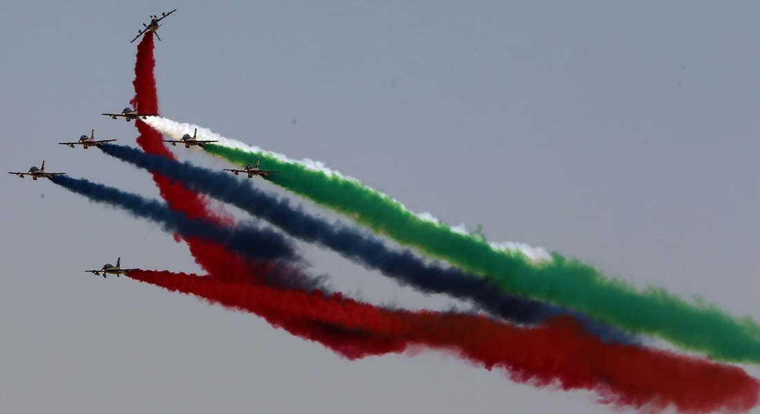 معرض الطيران بدبي ينطلق بعرض في الجو وصفقات على الأرض.. وتنافس عسكري بين روسيا وأمريكا