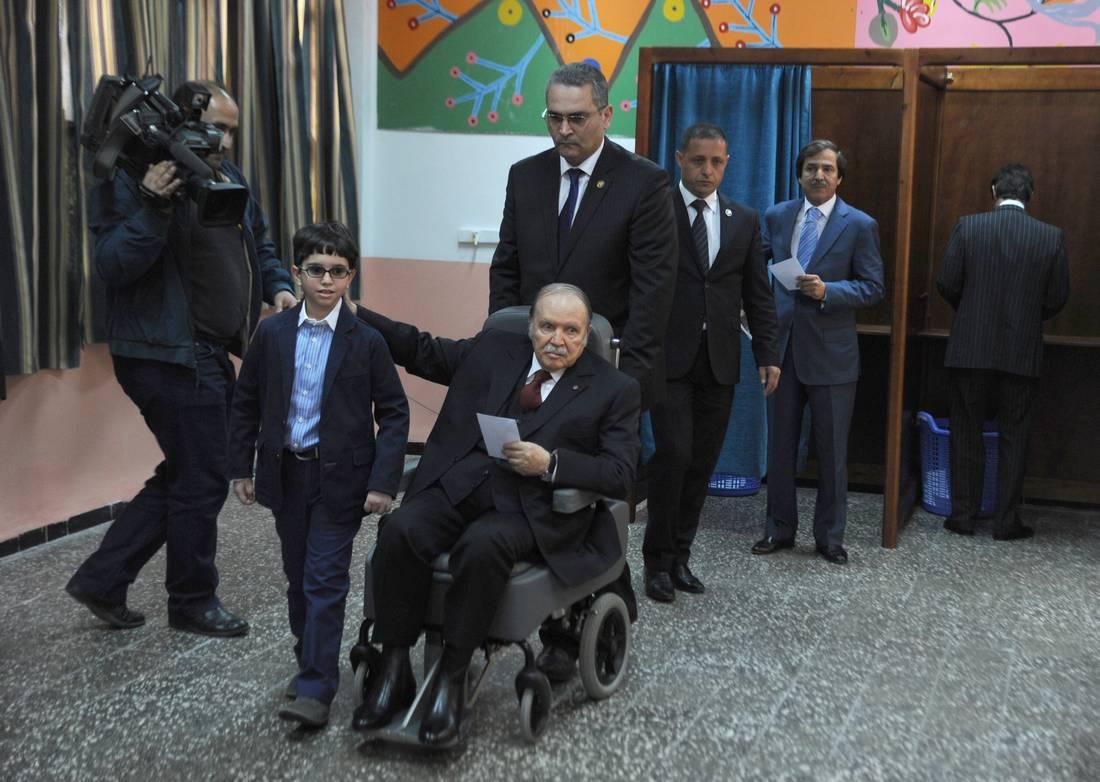 الوزير الأول الجزائري: بوتفليقة يشرف شخصيًا ومباشرة على تسيير شؤون الدولة