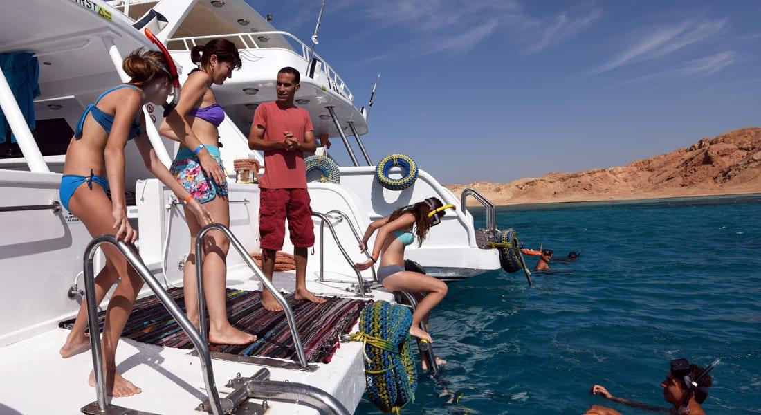 رأي.. هل تتدخل الحكومة المصرية لانقاذ قطاع السياحة والخروج به من محنة الطائرة الروسية؟