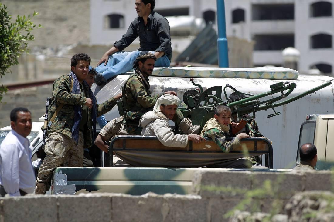 العاهل المغربي: ندعم مبادرة خادم الحرمين الشريفين لإعادة الشرعية إلى اليمن