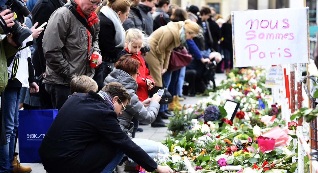 واشنطن تعلن عن مصابين أمريكيين في هجمات باريس.. وكاميرون يدعو إلى التأهب لوجود ضحايا بريطانيين