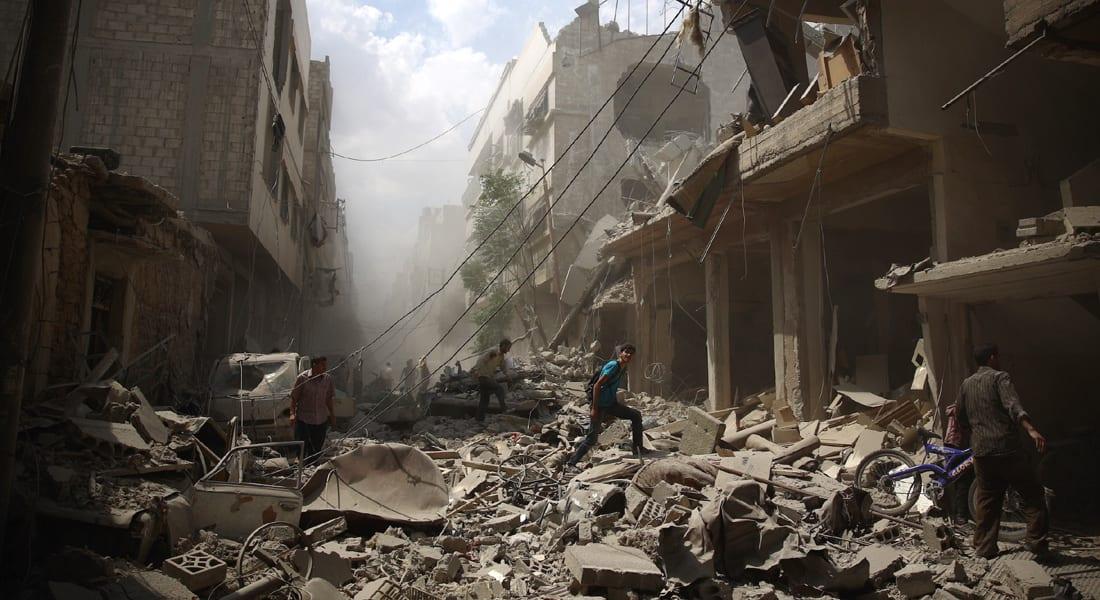 """غارات فرنسية مكثفة على معقل """"داعش"""" في سوريا وأنباء عن تدمير 20 موقعاً في الرقة"""
