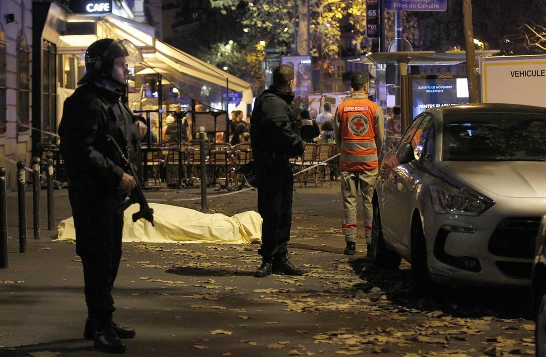 أربعة قتلى مغاربيين في هجمات باريس.. ووفاة التونسية الثانية التي أعلنت السلطات نجاتها