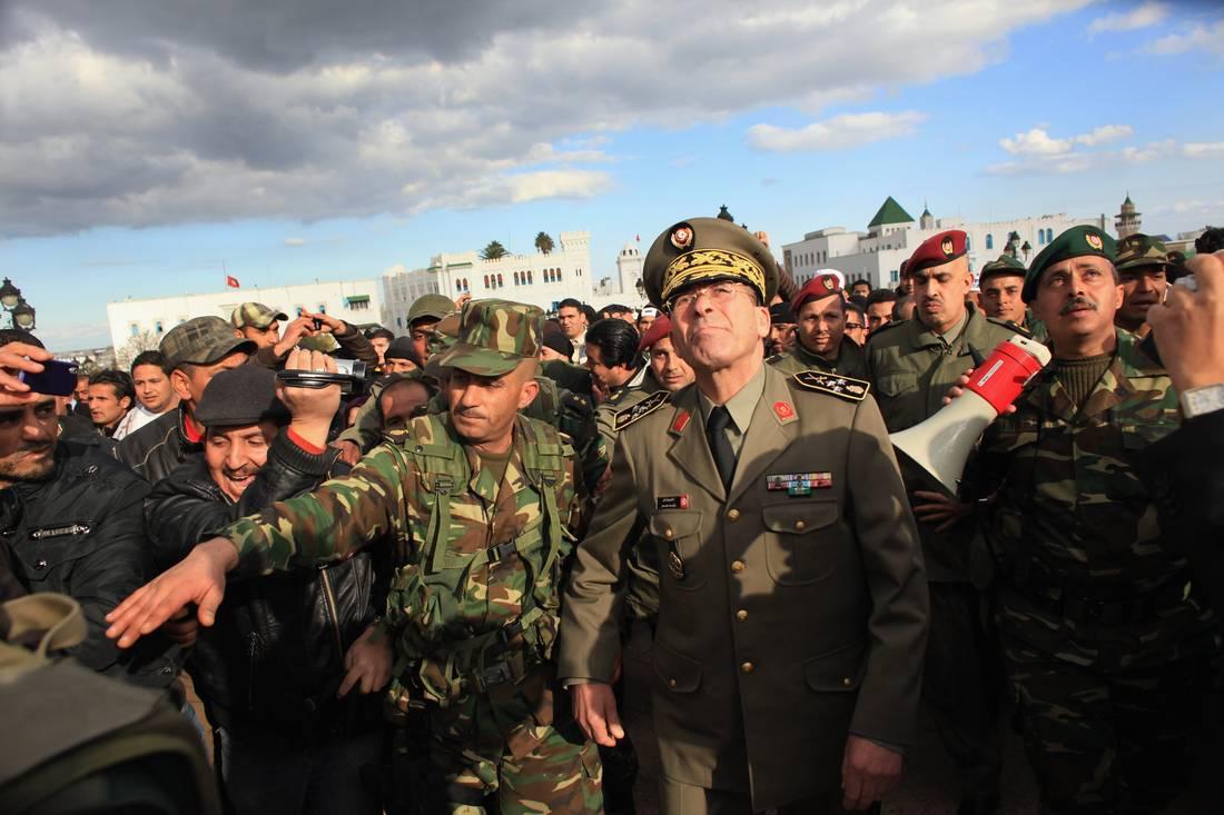 الجبالي يدعم تصريحات عمار حول عرض قُدم للجيش التونسي قصد الاستيلاء على الحكم بعد فرار بن علي
