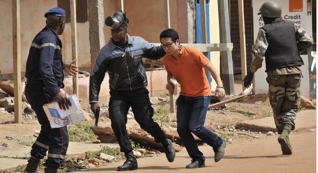 """جماعة """"المرابطون"""" تدعي مسؤولية عملية احتجاز الرهائن في مالي"""