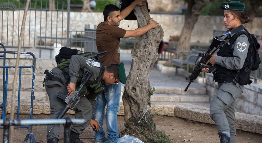 """إصابة 4 إسرائيليين في """"هجوم طعن"""" قرب تل أبيب والشرطة تلاحق """"الفاعل"""""""