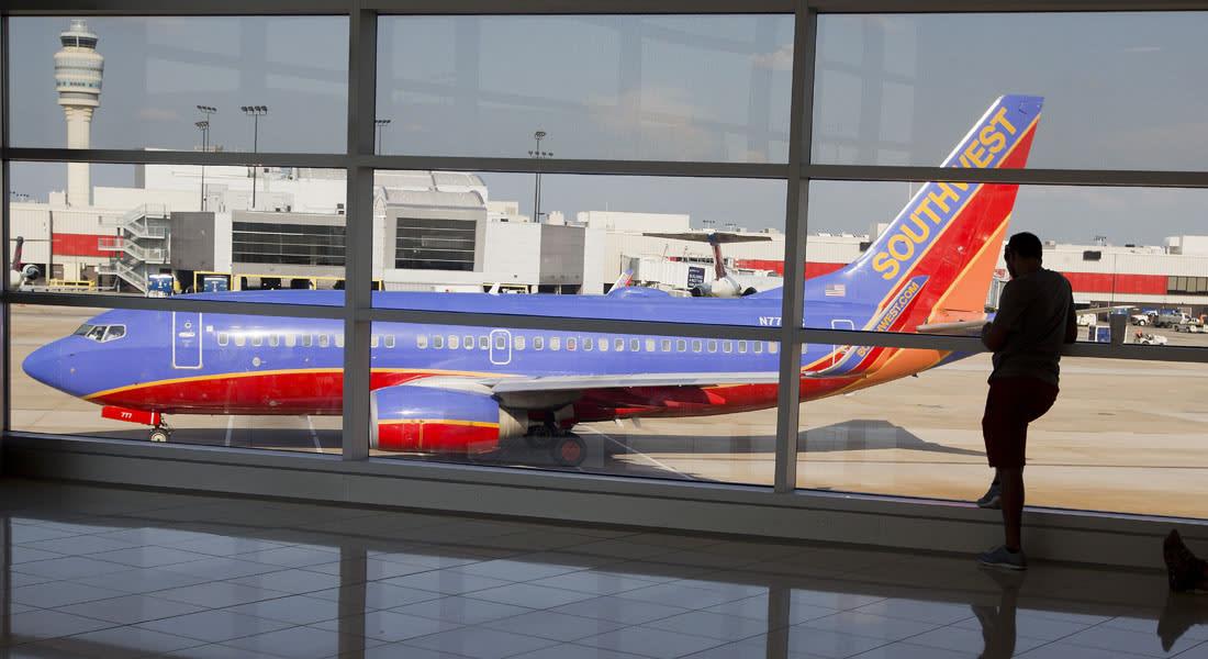 """أمريكا.. تغيير مسار طائرة الرحلة """"ساوث ويست 5929"""" بسبب """"سلوك جامح"""" لبعض الركاب"""