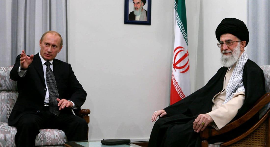 بوتين يصل طهران في أول زيارة منذ 2007.. ويقرر رفع الحظر عن تزويد إيران بمعدات تصدير اليورانيوم
