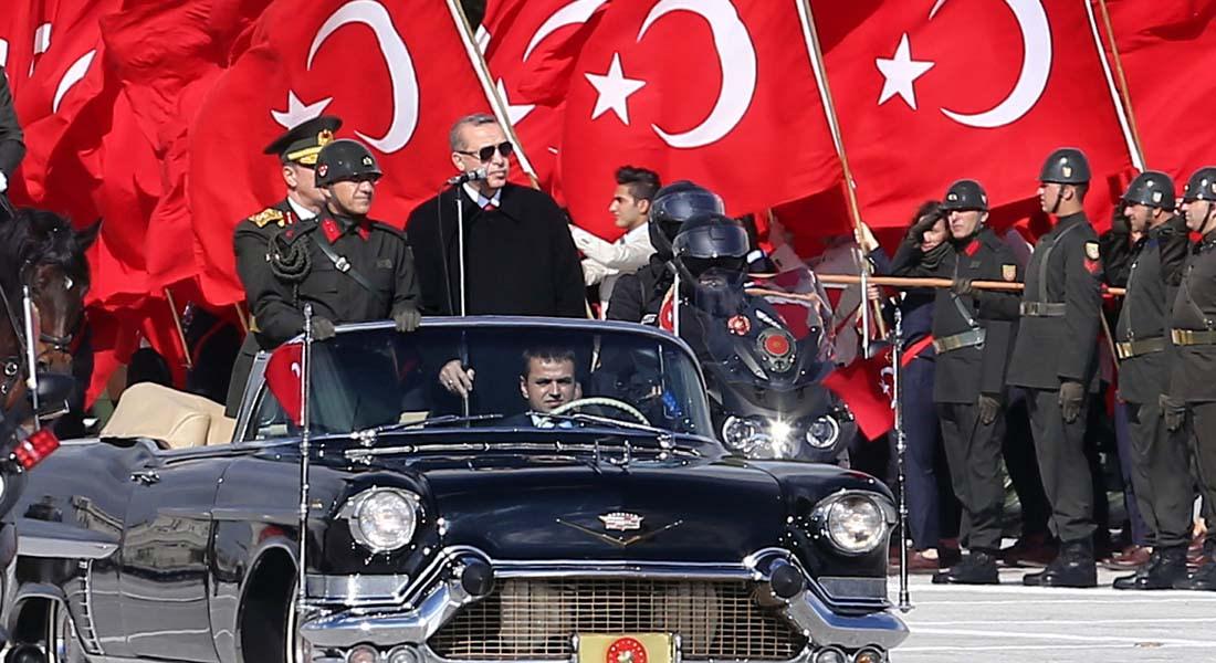 خسائر بالأسواق التركية وتهاوي الليرة والروبل الروسي أمام الدولار بعد إسقاط أنقرة للطائرة الروسية