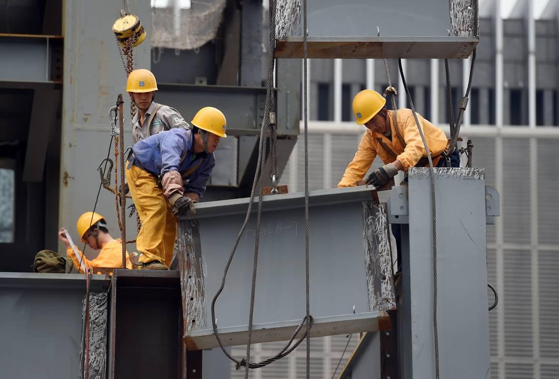 بعد مصرع 18 مهاجرًا في حادث مماثل.. نجاة عمال صينيين من الموت حرقًا بالجزائر