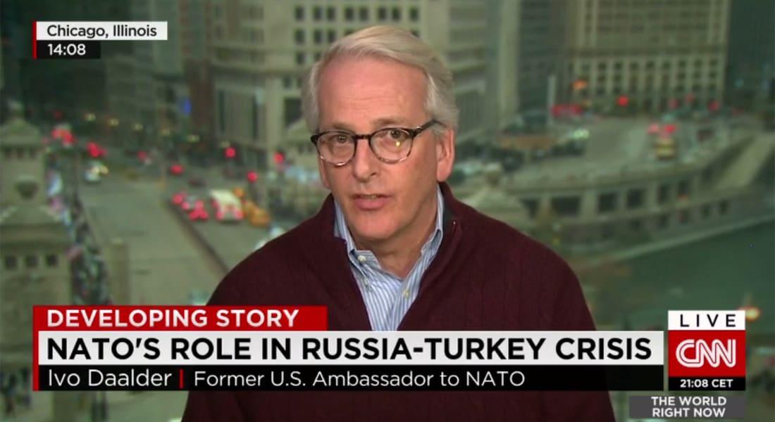 """سفير أمريكا السابق بـ""""ناتو"""" يبين لـCNN الطريقة التي تفكر فيها روسيا والرد المحتمل على اسقاط طائرتها من قبل تركيا"""