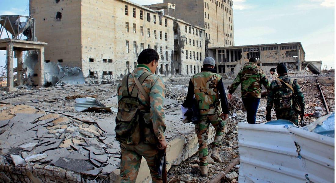 سوريا تتهم التحالف الدولي بقصف معسكر للجيش في دير الزور.. وأمريكا تنفي شن أي غارات في محيط 55 كيلومترا