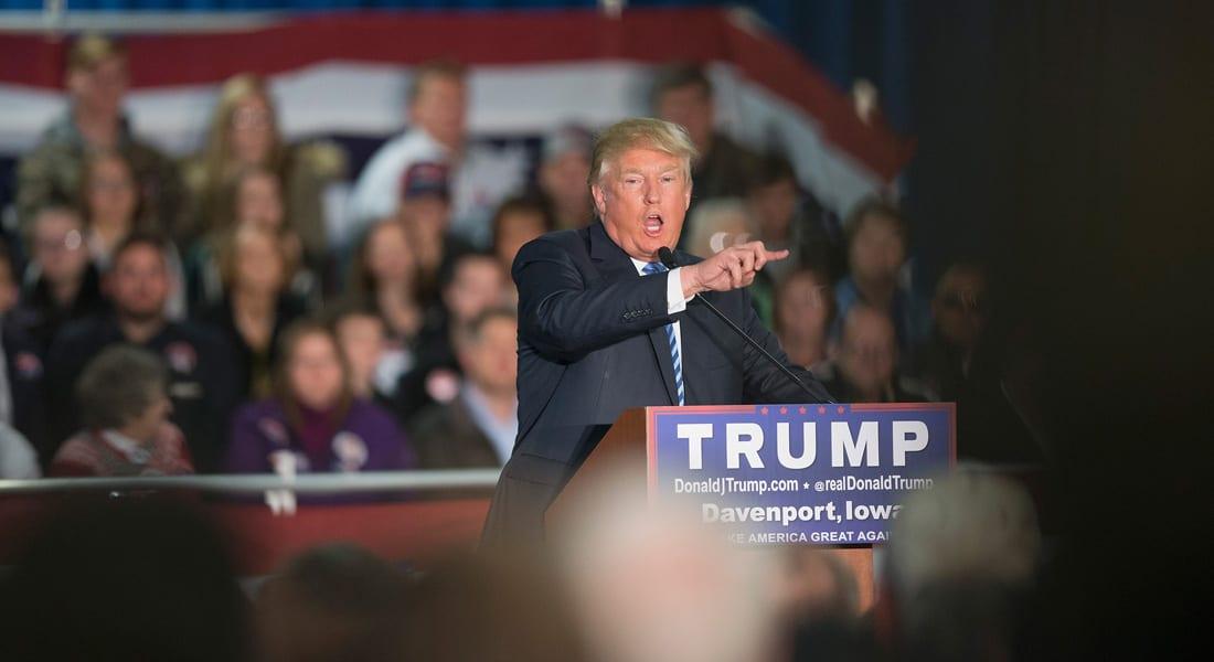 """دونالد ترامب """"يحتل"""" تويتر بعد تصريحاته عن المسلمين.. وباسم يوسف: لم أعلم أنه ضليع في النازية"""