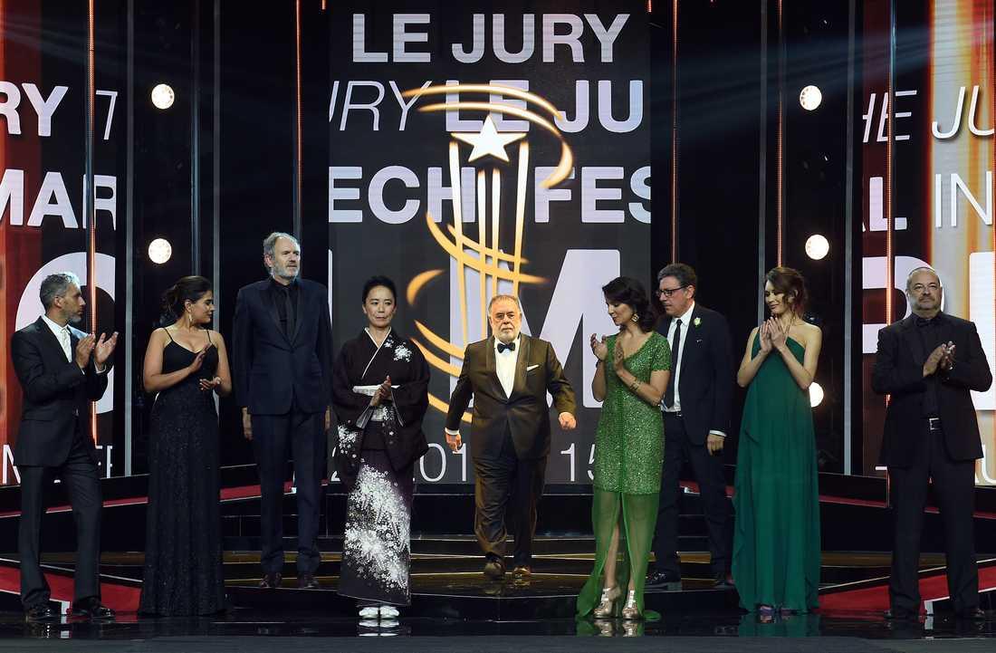 """""""فيلم كثير كبير"""" اللبناني يحصد النجمة الذهبية لمهرجان مراكش.. ومخرجه يعد بلاده بأن يظل مؤمنا بها"""