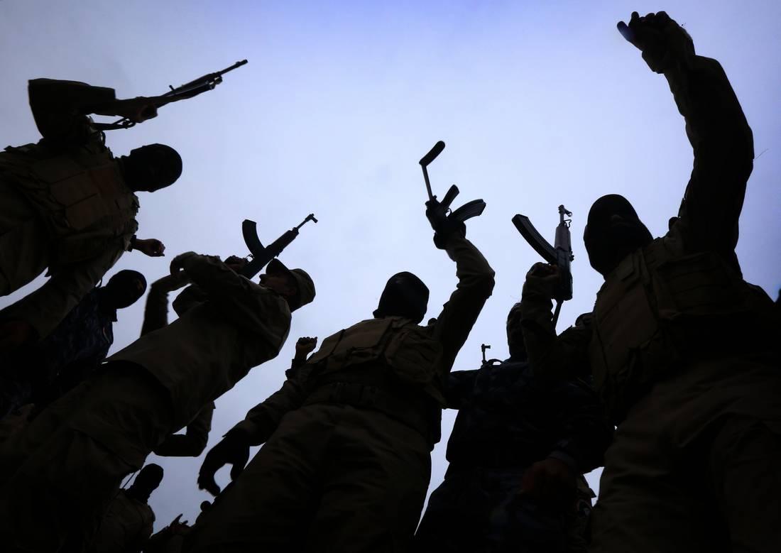 """البشمركة تعلن مقتل 100 عنصر من """"داعش"""" وعشرة من جنودها في مواجهات بالعراق"""