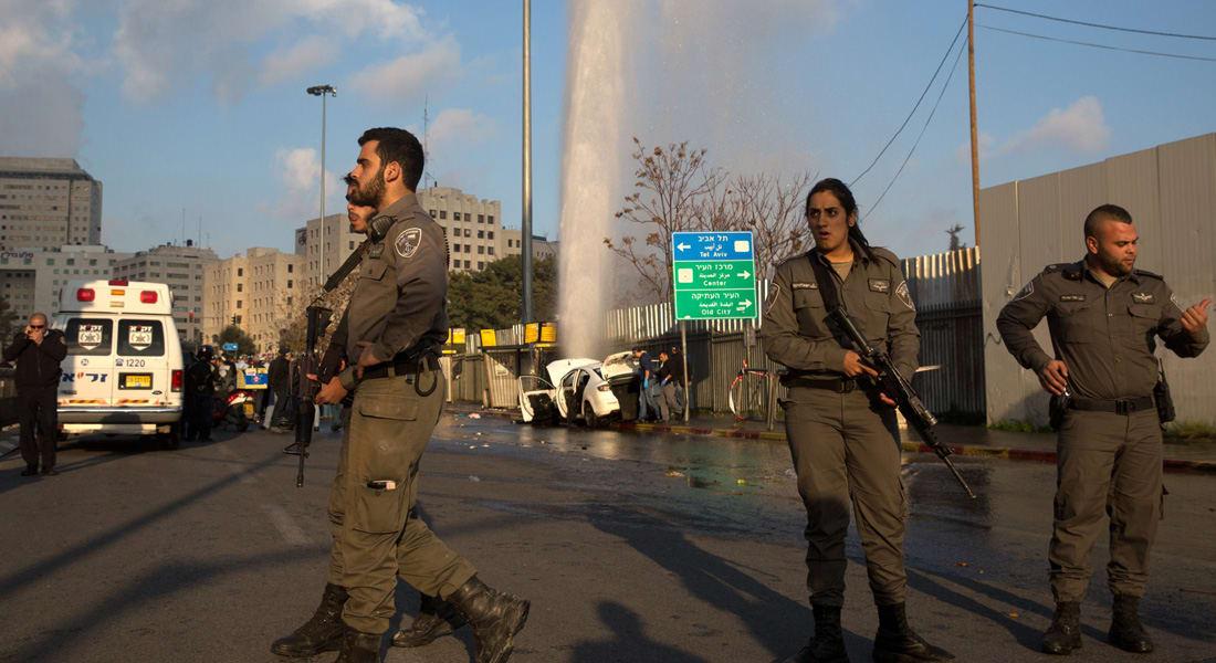 """الجيش الإسرائيلي يصيب فلسطينياً ويعتقل امرأتين بالضفة ويتهم 5 مقدسيين بينهم طفلان بـ""""الإرهاب"""""""