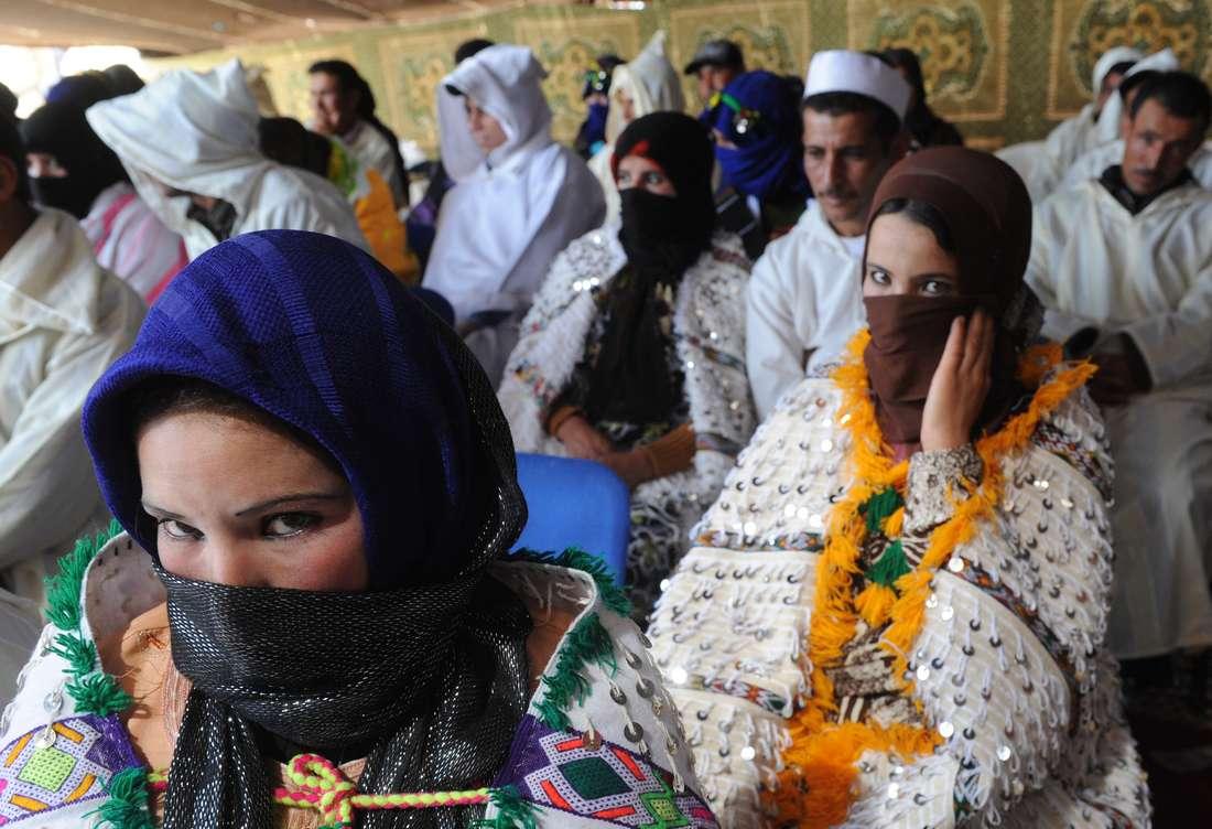 """مجلس النواب المغربي يمدّد توثيق """"زواج الفاتحة"""".. وحقوقيات تعتبرنه تشجيعًا على تزويج القاصرات والتعدد"""