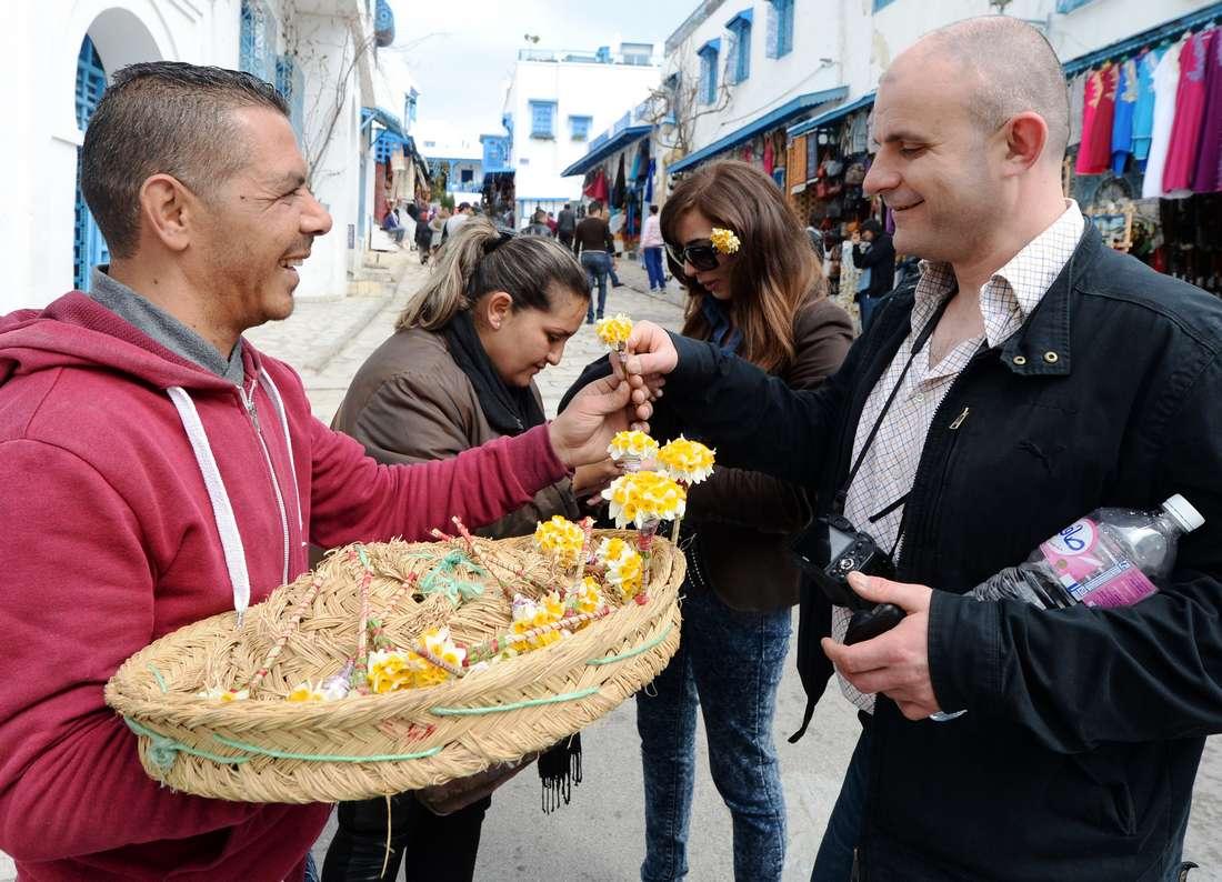وسط إجراءات أمنية مشدّدة.. مئات الجزائريين يتجهون إلى تونس للاحتفال برأس السنة
