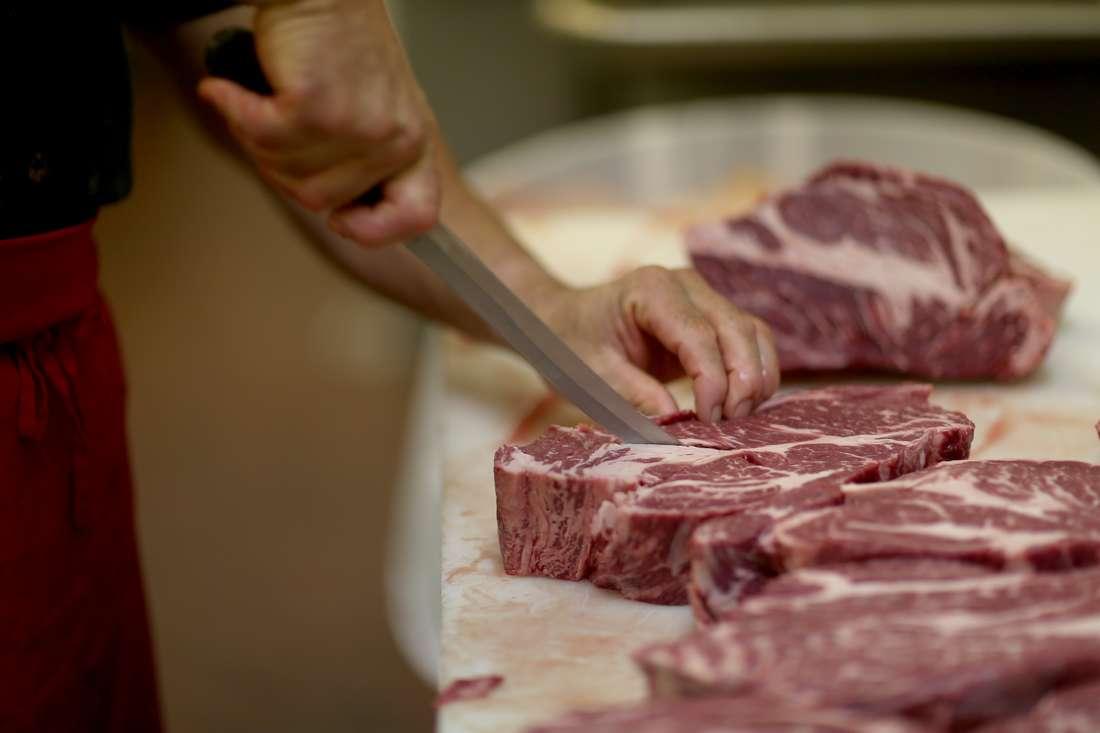 تونس تعلن تعليق استيراد اللحوم الحمراء بسببّ حدوث فائض فيها والتخوف من انهيار أسعارها