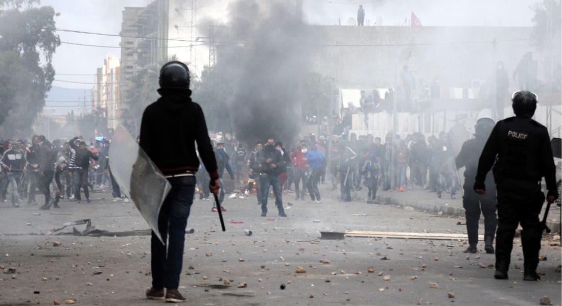 رئيس وزراء تونس: التيارات الهدامة تحاول استغلال الاحتجاجات.. ولا تراجع عن خيار الديمقراطية
