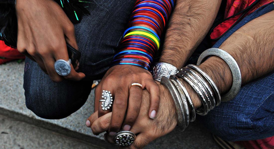 الهند تراجع قانوناً يجرّم المثليين بالجنس
