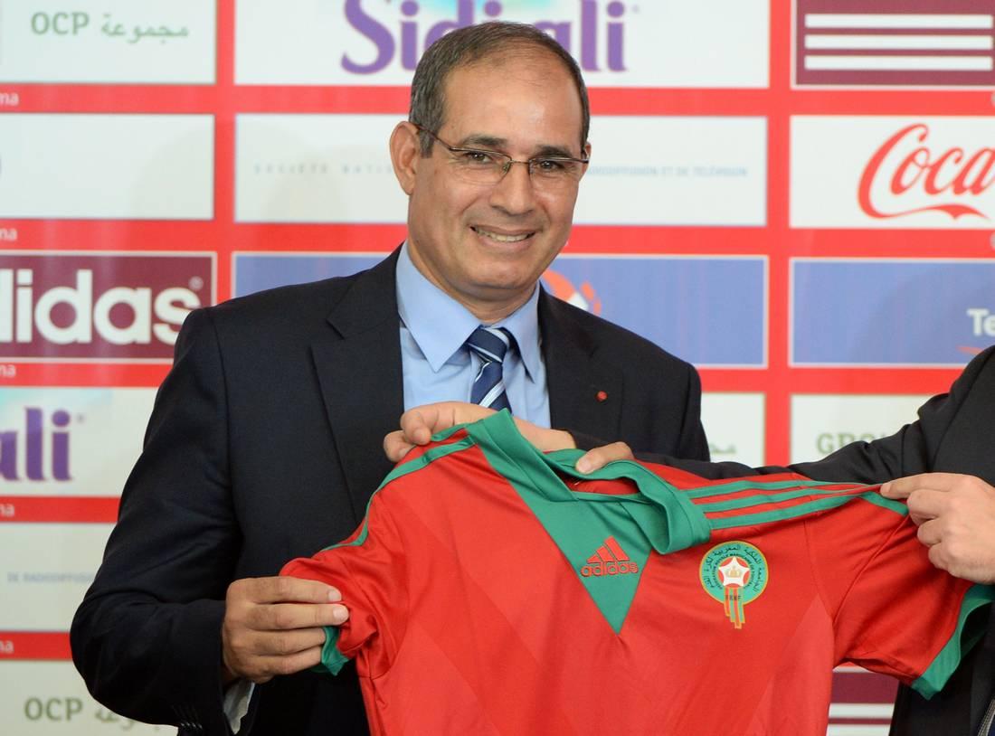 جامعة الكرة المغربية تقيل مدرب المنتخب بادو الزاكي وتتجه نحو الفرنسي هيرفي رونارد