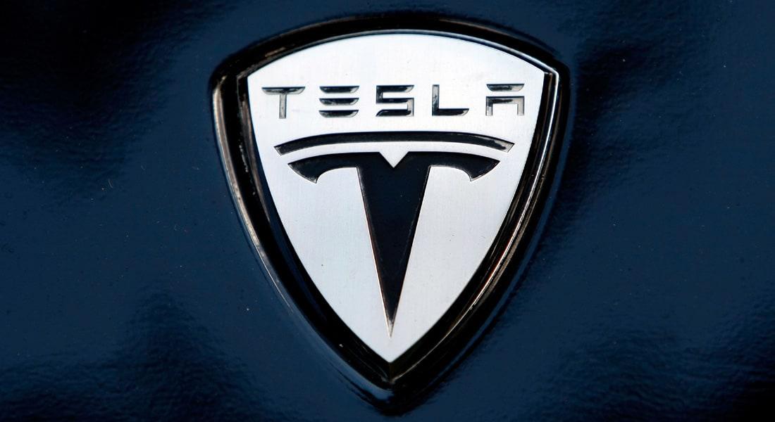 سيارة Tesla Model 3 الكهربائية في الأسواق ابتداء من مارس